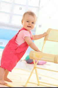 ویژگی های کودک نه ماهه سالم و طبیعی