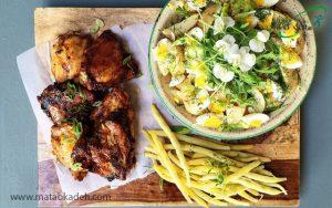 تکه های مرغ و سیب زمینی برای کودک